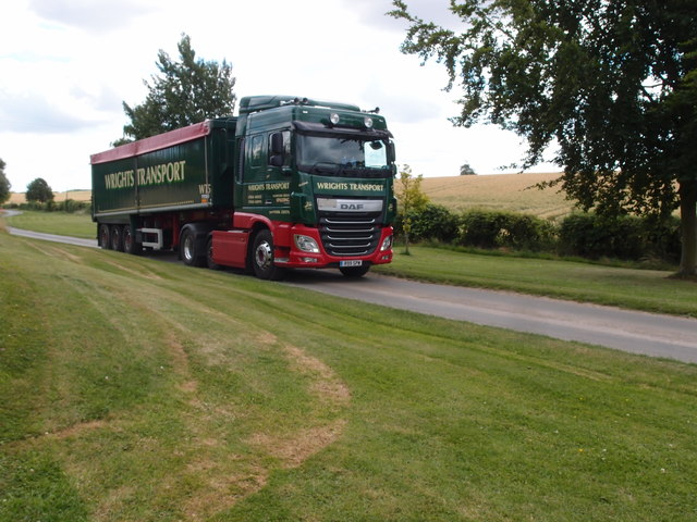 Grain lorry passing through Pickworth