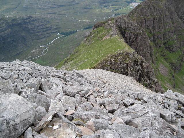 Spidean a' Choire Leith towards The Pinnacles