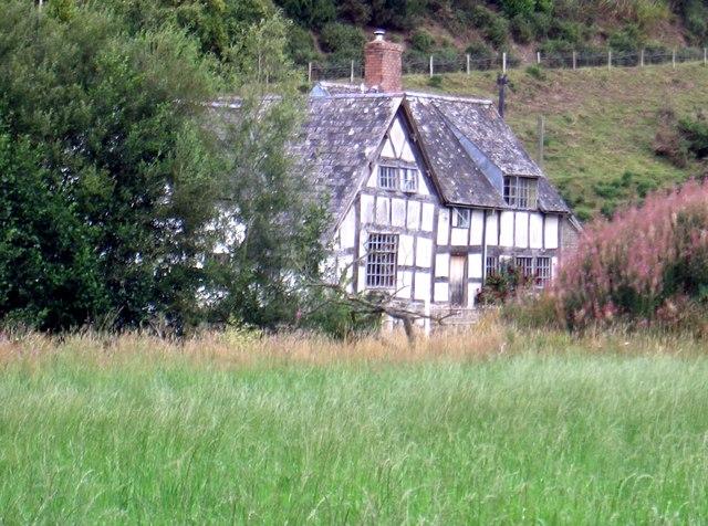 Bryndrinog Farmhouse