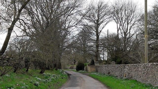Lane to the church at Tarlton