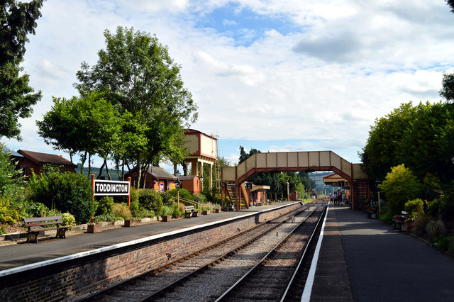Late afternoon at Toddington station