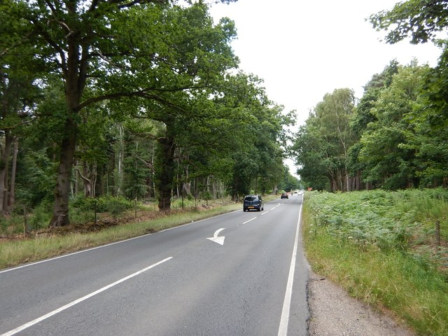 Swinley Road - Close to Walkers Entrance