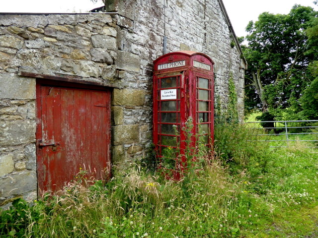 Derelict telephone box, Cleanally