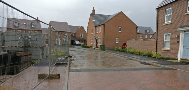 Building work on Hall Drive at Whetstone Park