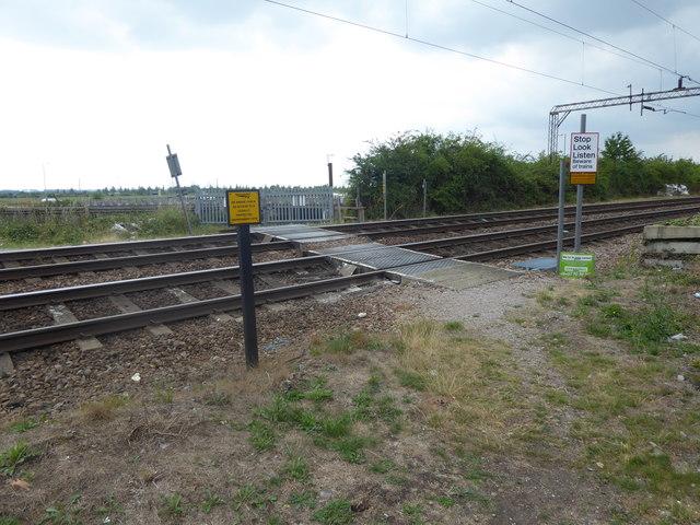 Foot crossing near Benfleet station