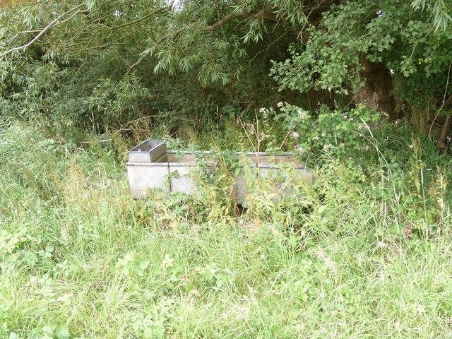 Cattle bar