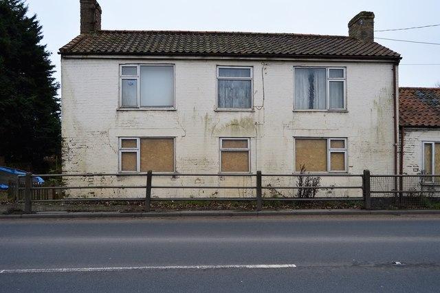 Derelict house, Downham Bridge