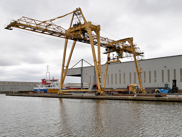Travelling Crane near the Steel Terminal at Goole Docks