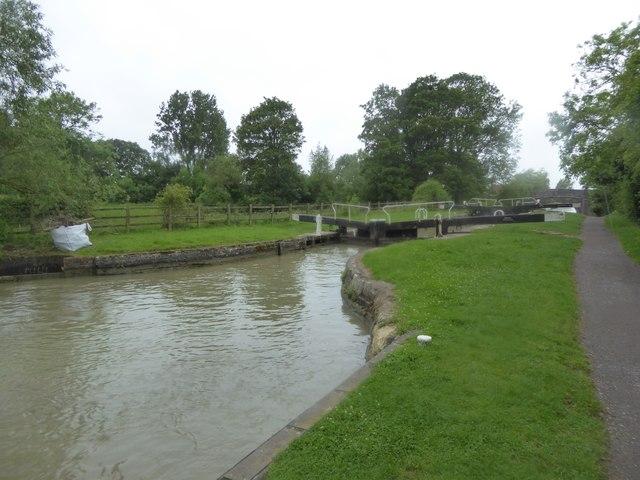 Lock number 19, near Barge Inn