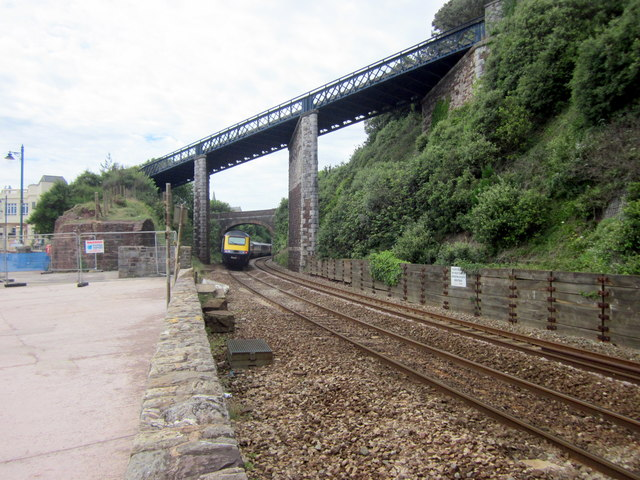 GWR HST 125 Leaving Teignmouth