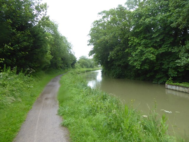 Kennet and Avon Canal near Sells Green