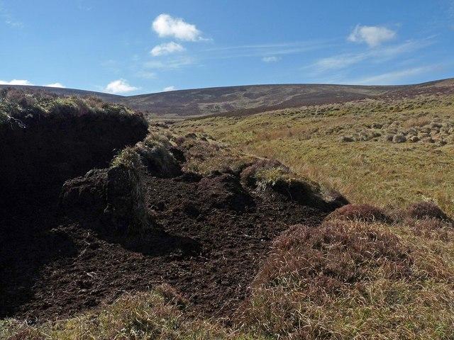 Peat hags by Sandsack Burn, Caithness