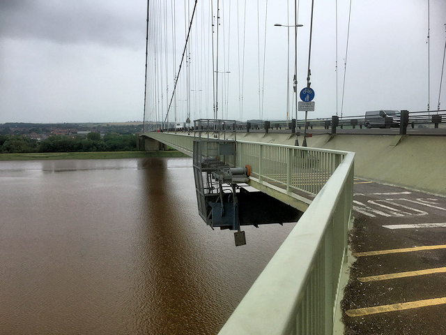 Eastern Walkway, Humber Bridge (looking south)