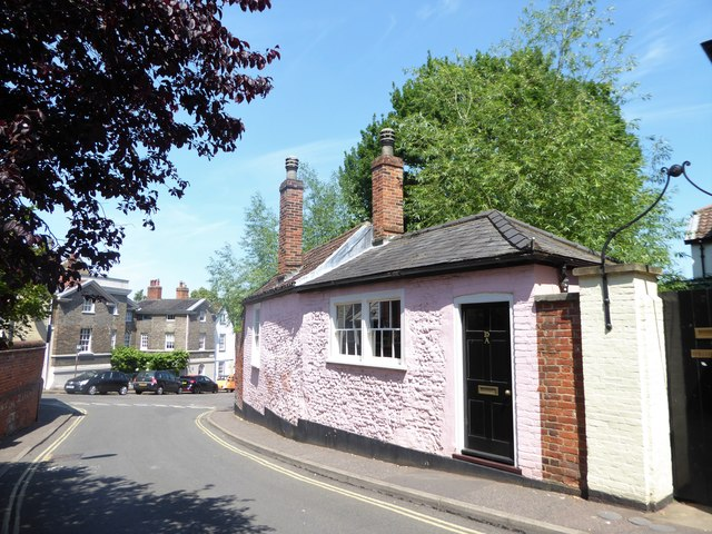 Pink cottage in Willow Lane