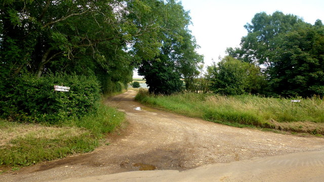 Bridleway towards Wheelbarrow Castle
