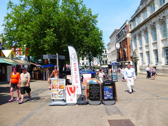 A summer stroll through the market