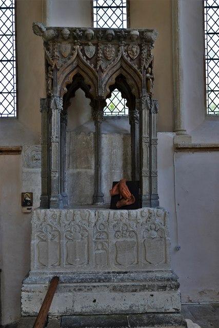 Stanton Harcourt, St. Michael's Church: The c1300 Shrine of St. Edburg 1