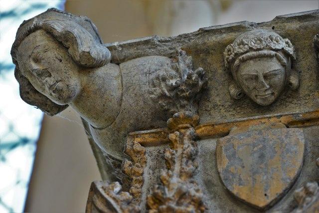 Stanton Harcourt, St. Michael's Church: The c1300 Shrine of St. Edburg 5