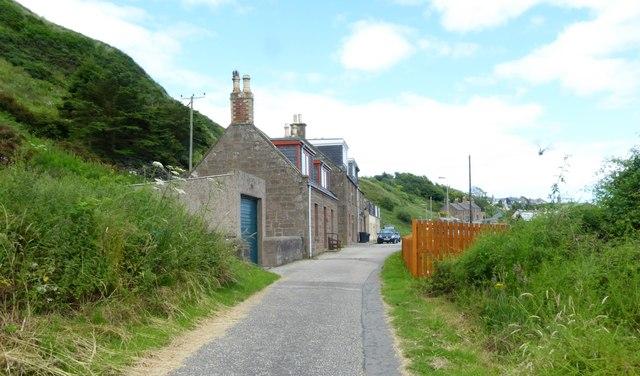 Cottages at west end of West Bay lane, Gourdon