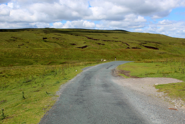 Moor Road near Oxnop Beck Head