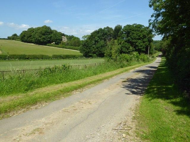 No through road approaching Dean Farm