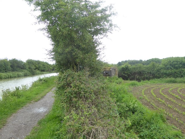 Well concealed pillbox by canal towpath