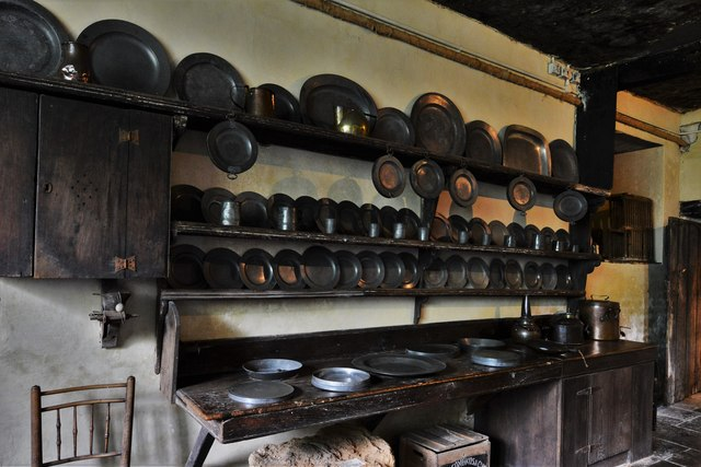 Chastleton House: Various utensils in the Old Kitchen