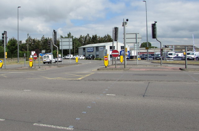Delta-like junction in Yate