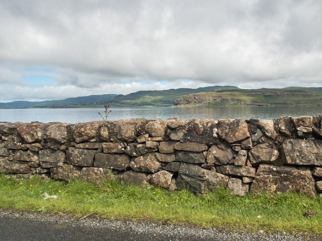 A wall by Loch na Keal