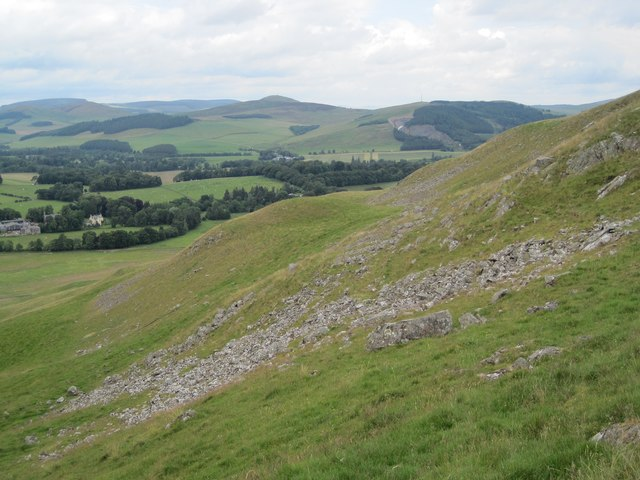 Scree and boulders, Cademuir Hill