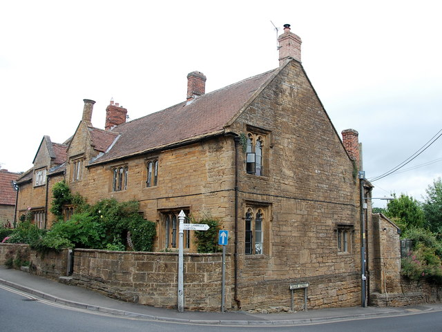 40-44 St James' Street, South Petherton
