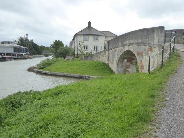 Towpath bridge, Hilperton