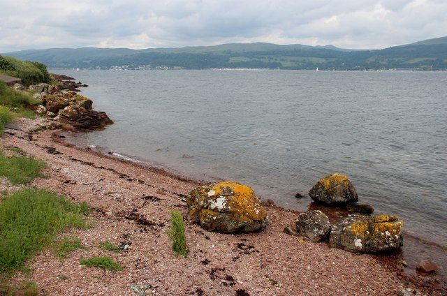 Shingle beach at Davy's Dub, Great Cumbrae Island