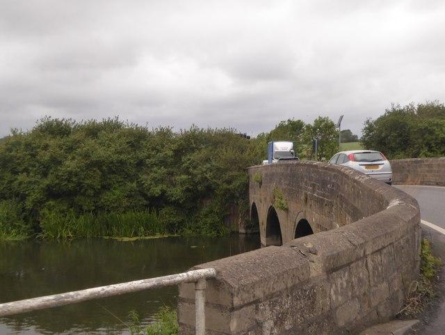 Bridge over River Avon, Staverton