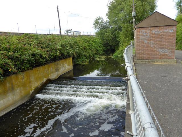 Gauging weir on Wraysbury River