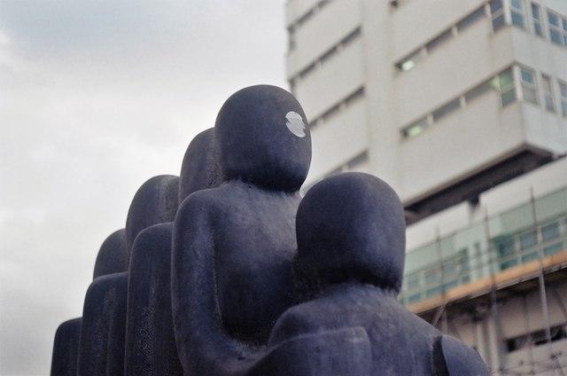 Sculpture along Western Road, Romford