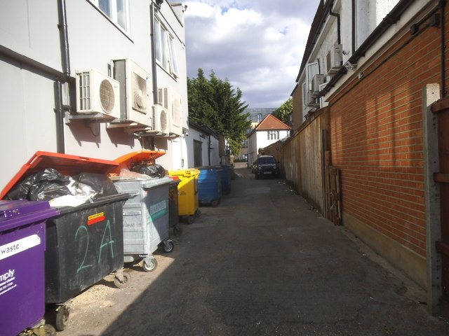 Alleyway behind shops on Golders Green Road
