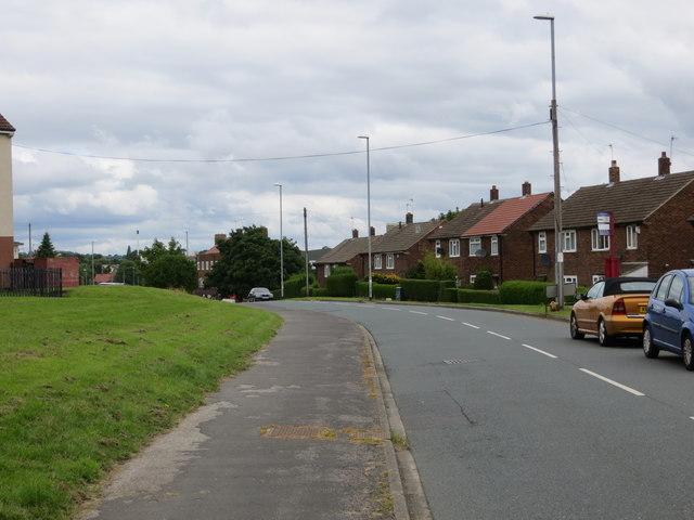Swinnow Lane between Hough Side and Swinnow Moor