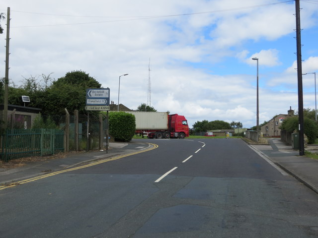 North View Road joining Westgate Hill Street (A650)