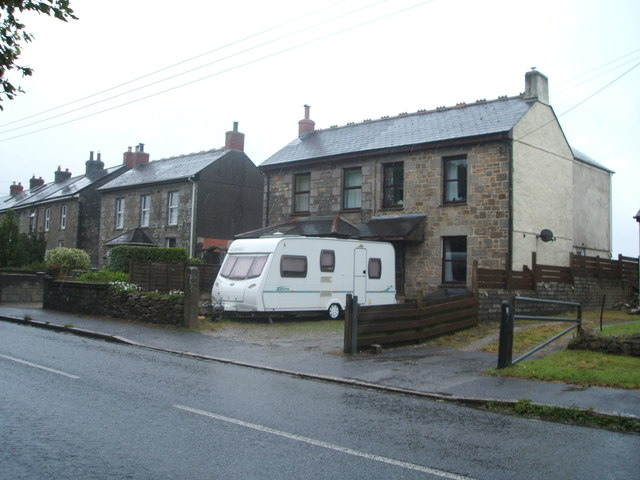Houses on Opies Terrace, Pencoys