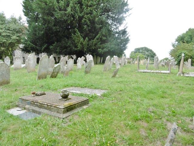 Eling, churchyard