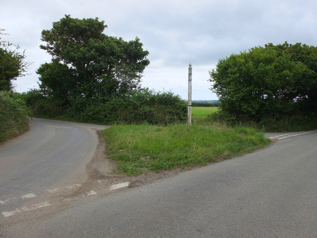 Finger post near Merther Uny, North of Gweek