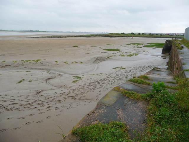 A way down onto the foreshore, Fleetwood quayside
