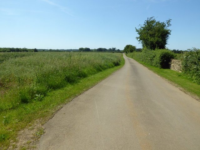 Country road to Ablington
