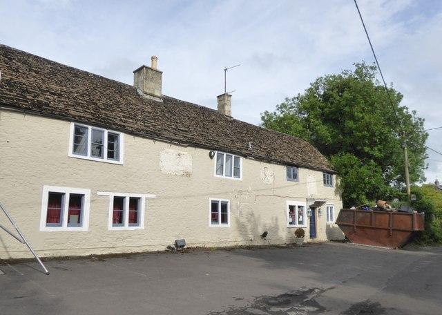 Former inn, Broughton Gifford