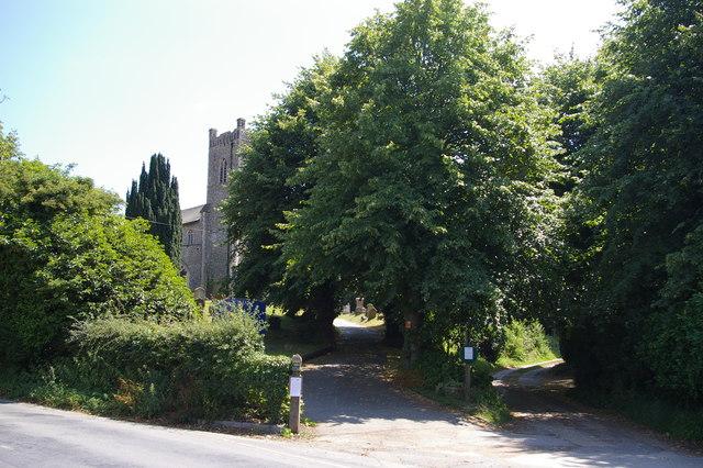 Entrance to churchyard of St John the Baptist, Saxmundham