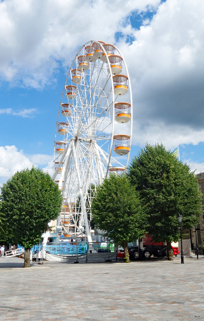 Ferris wheel, Market Place, Salisbury