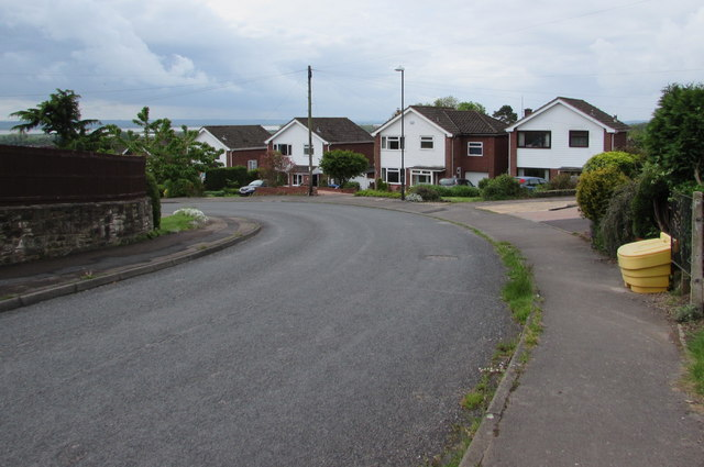 Houses at a bend in Templeway West, Lydney