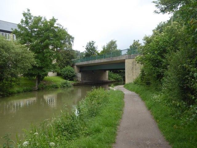 Moulton Drive bridge over canal