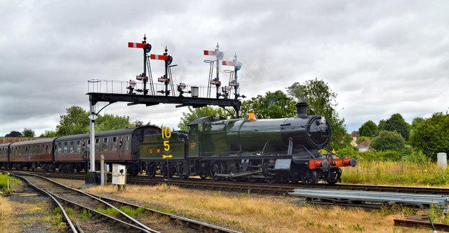 Churchwatd 2-8-0 2857 departs for Bridgnorth